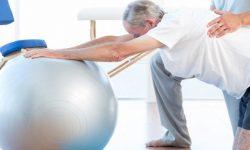 Fisioterapeuta ajuda a prevenir doenças graves nas pessoas idosas