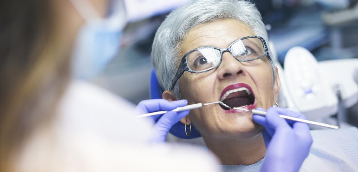 Cuidados com a saúde bucal na terceira idade